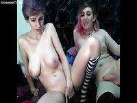 Jeune salope a envie d'une bonne bite transsexuelle